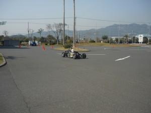 【常広議員】車走行写真